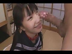 Asia Teen will die Gesichtsbesamung