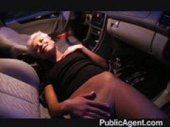 Lesbische Blondine beim Hetero Sex