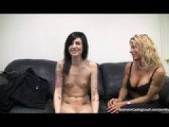 Pornocasting mit zwei Frauen